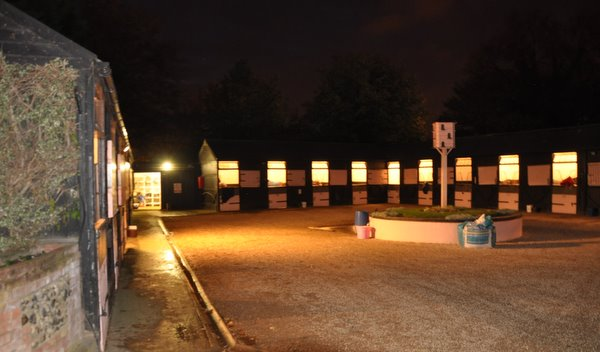 Evening_stables_main_yard